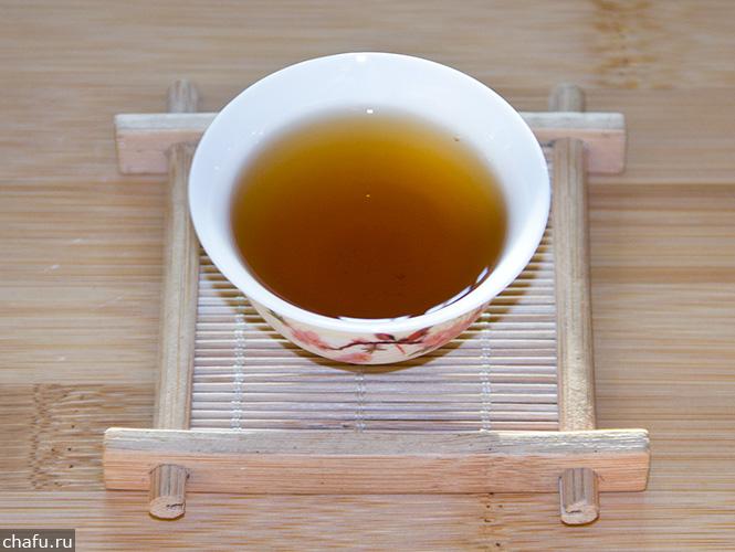 Чай кимун в красной банке